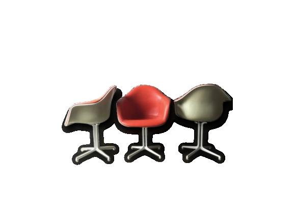 Eames fauteuil achat vente de eames pas cher for Fauteuil eames fibre de verre