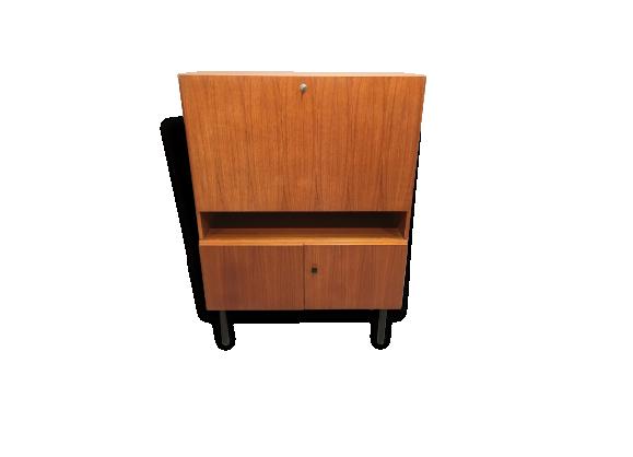 meuble m tal design. Black Bedroom Furniture Sets. Home Design Ideas
