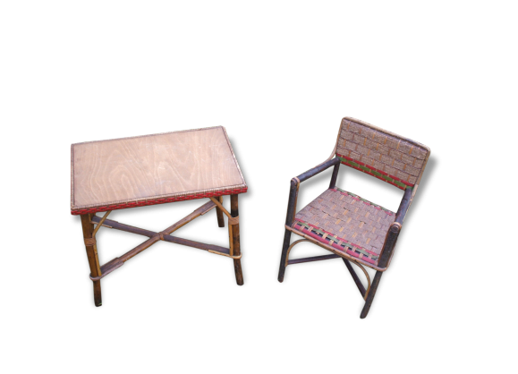 Table bois chaises for Chaise en rotin enfant