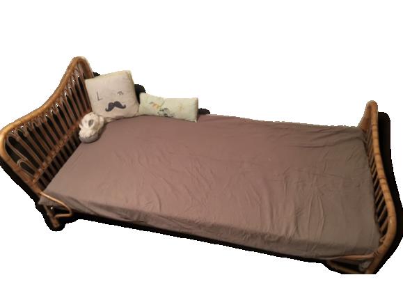 lit banquette achat vente de lit pas cher. Black Bedroom Furniture Sets. Home Design Ideas