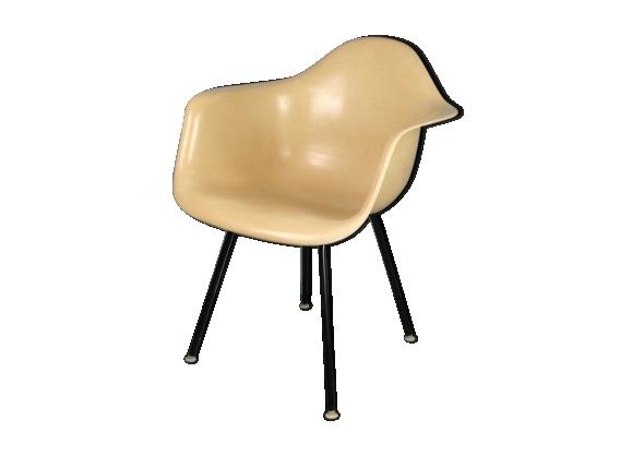 fauteuil eames pas cher fauteuil bascule eames pas cher fauteuil a bascule pas cher cheap. Black Bedroom Furniture Sets. Home Design Ideas