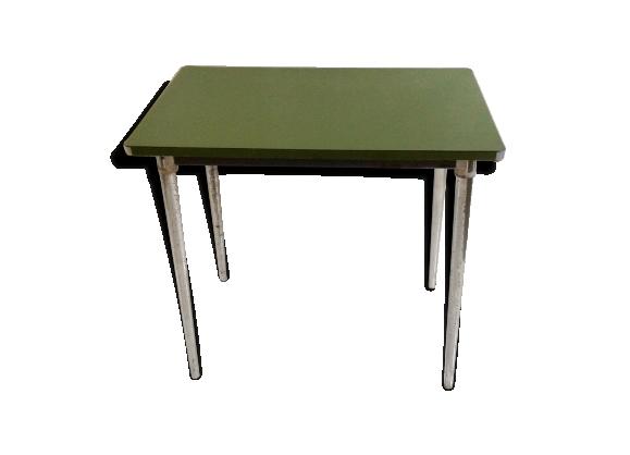 Table en mélaminé