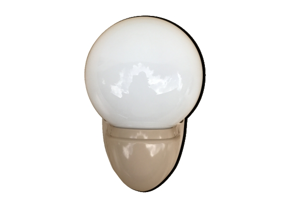 Applique Boule Opaline Blanc Socle Bakélite Beige Salle de Bain Années 70 Vintage
