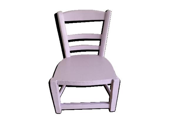 Chaise d'enfant rose lilas
