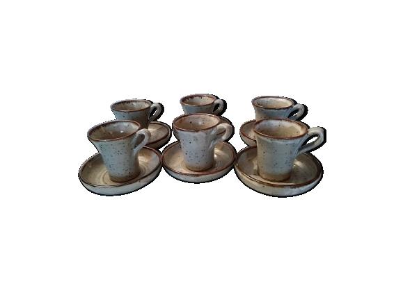 Ensemble de six tasses et sous-tasses en grès