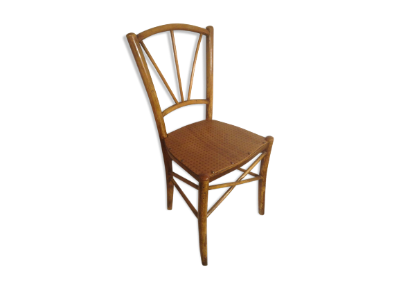 Chaise bistrot en bois tourn brut assise dessin sculpt for Chaise qui tourne