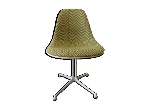 chaise la fonda par charles ray eames pour herman miller 1960s fibre de verre vert dans. Black Bedroom Furniture Sets. Home Design Ideas