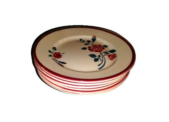 6 anciennes assiettes plates en faience a décors de roses rouges