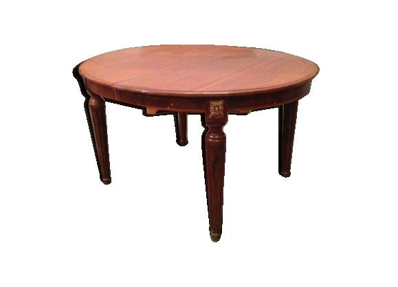 Table de salle à manger de style Louis XVi