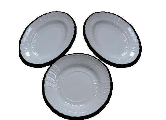 Trois plats anciens numérotés en porcelaine blanche italienne,Richard Ginori
