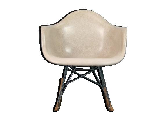 Rocking-chair RAR par Eames pour Herman Miller