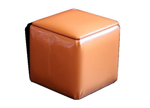 pouf coffre seventies en vinyl ska orange ska orange dans son jus vintage. Black Bedroom Furniture Sets. Home Design Ideas
