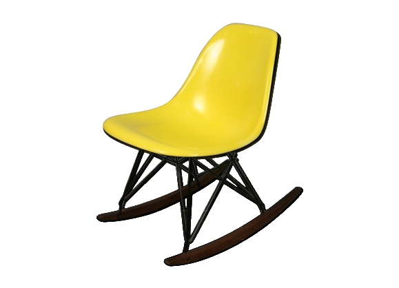 chaise eames a bascule chaise chaise bascule inspiration eames rsr rose with chaise eames a. Black Bedroom Furniture Sets. Home Design Ideas