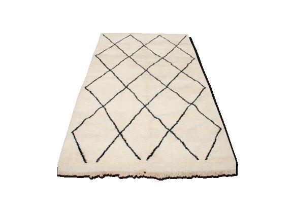 tapis beni ouarain berb re 270x150 cm tissu blanc bon tat classique. Black Bedroom Furniture Sets. Home Design Ideas