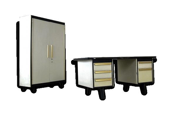 Ensemble de deux pièces de très grande facture comprenant un bureau et un rangement modulable.