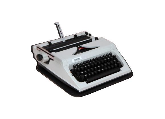machine a crire erika mod le 30 40 avec son coffret d 39 origine fer beige bon tat. Black Bedroom Furniture Sets. Home Design Ideas