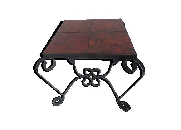 Table basse fer forgé et céramique.