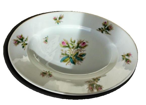Plat ovale en porcelaine