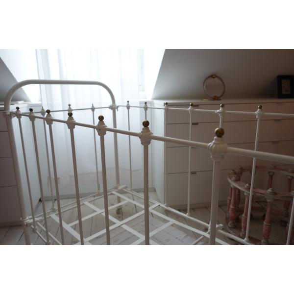 lit ancien enfant en fer forg et boules de laiton fer blanc bon tat classique 124735. Black Bedroom Furniture Sets. Home Design Ideas