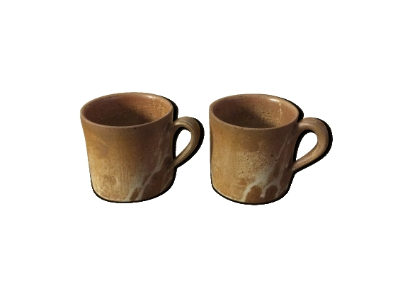Deux mugs en grès