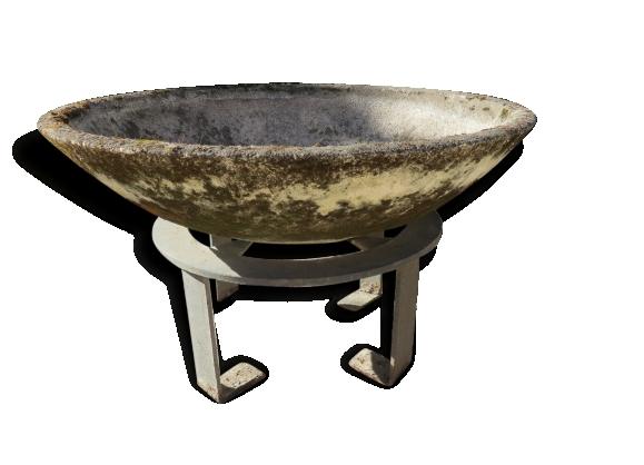 Ancienne vasque en ciment béton et support fonte
