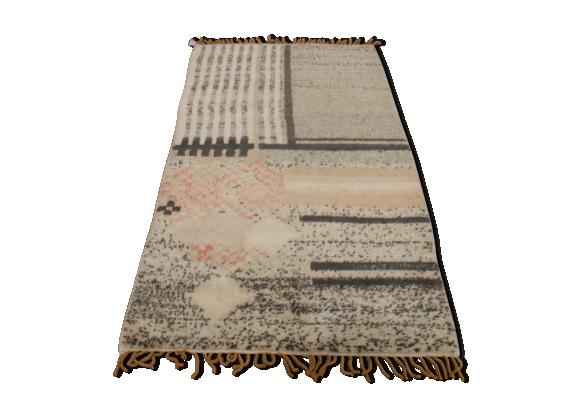 tapis marocain en laine tissu gris bon tat design 09b39459463430d5974122fdfff5283c. Black Bedroom Furniture Sets. Home Design Ideas