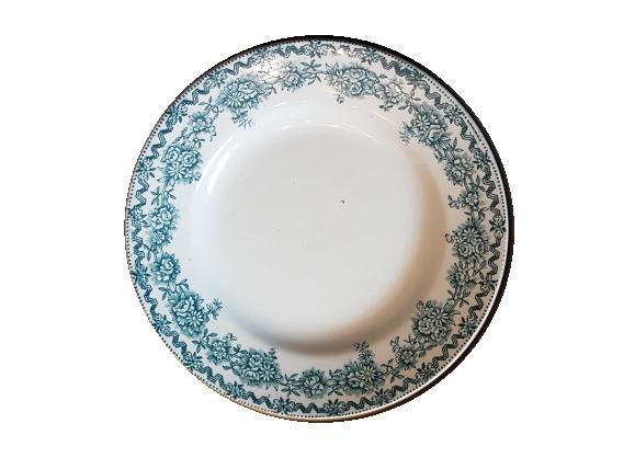 Assiette en faïence ancienne