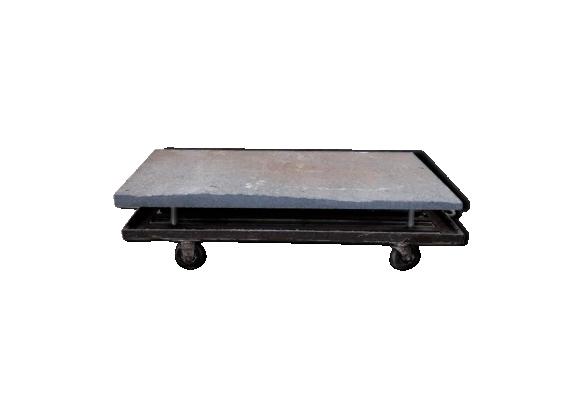 Table basse dessus en granit