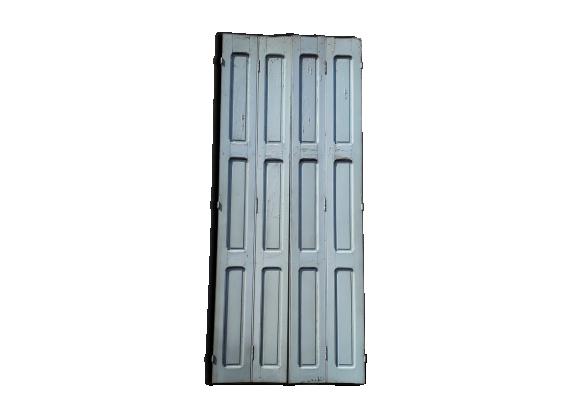 Lot de 4 volets de portes boiseries bois peint ep 1930 40 for Decaper des volets en bois peints