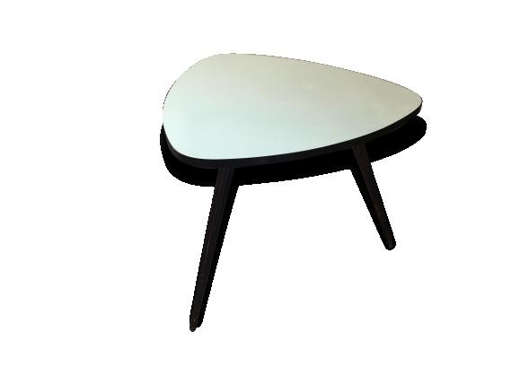 Table basse tripode 50's - formica vert pâle, pieds visés bois