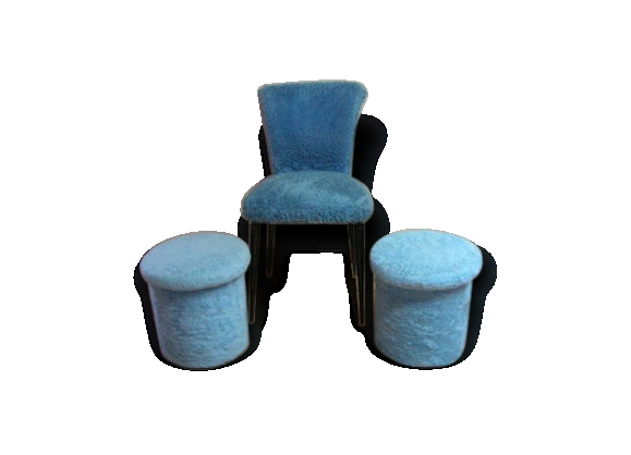 Chaise moumoute et 2 poufs assortis