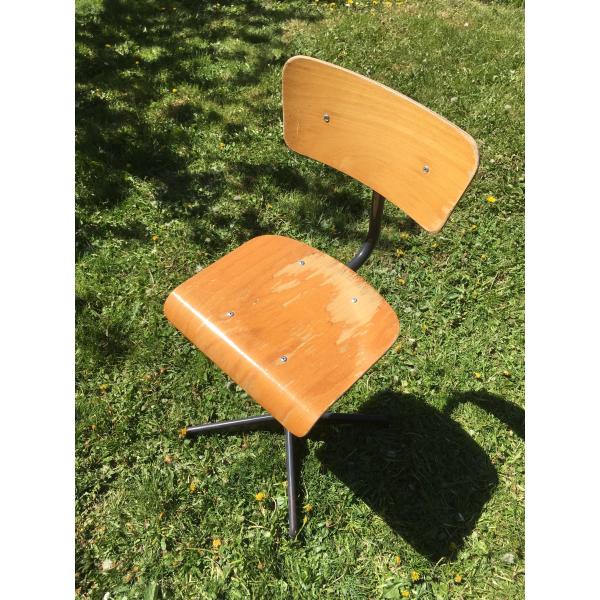 chaise d 39 architecte bois mat riau marron dans son. Black Bedroom Furniture Sets. Home Design Ideas