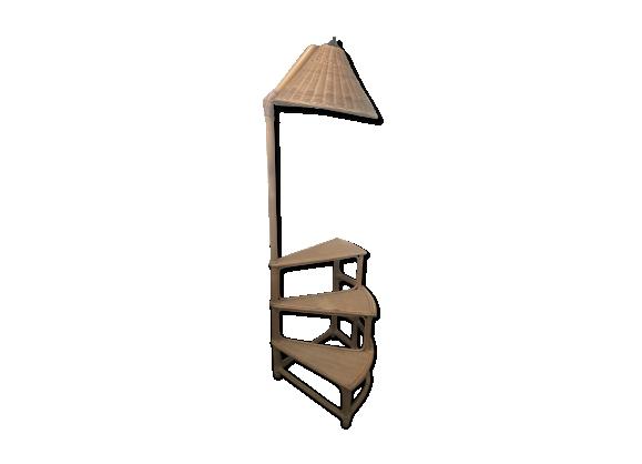 Joli lampadaire étagères