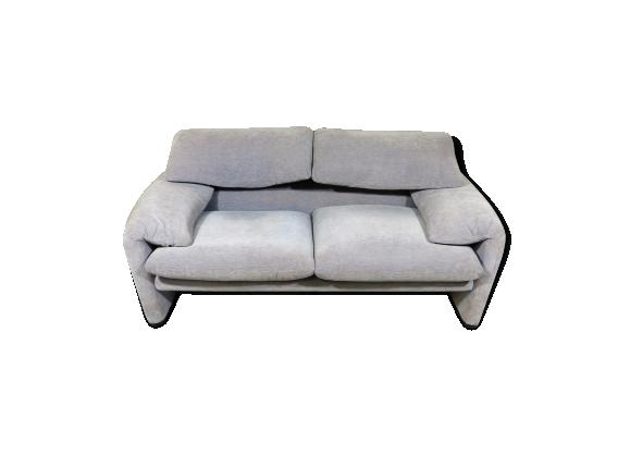 canap deux places maralunga de vico magistretti pour. Black Bedroom Furniture Sets. Home Design Ideas