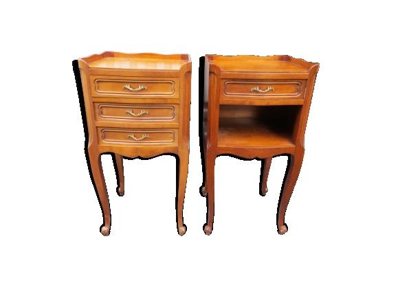 Paire de tables de chevet de style Louis XV