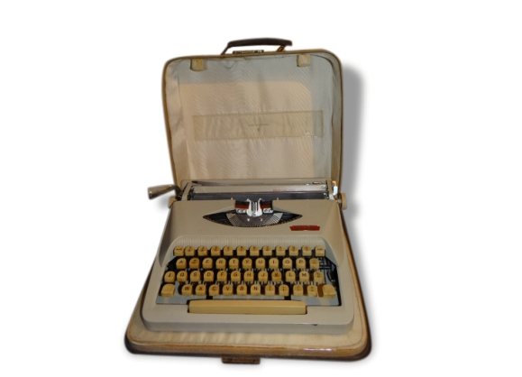 """Machine à écrire Royal- écriture """"italique""""-"""