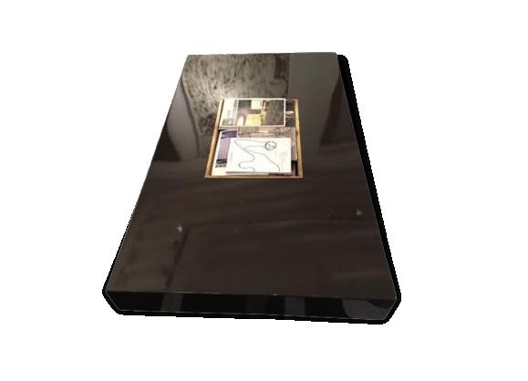 Table vintage en bois laqué
