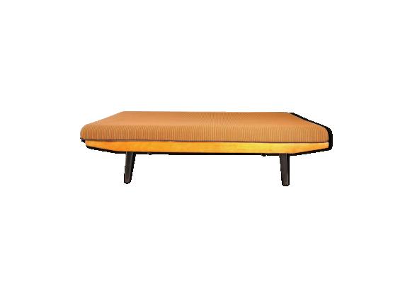 Divan vintage en bouleau bois mat riau bois couleur for Divan en bois