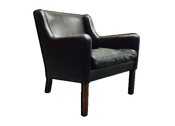 Fauteuil design scandinave cuir noir et palissandre 1950
