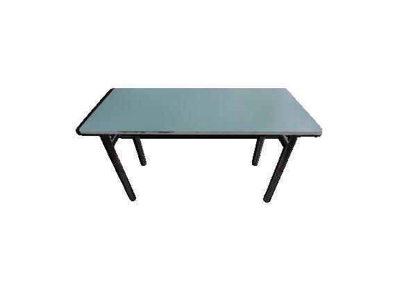 Table en métal et bois stratifié vert