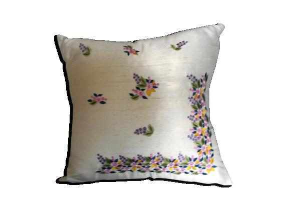 coussin de soie brod e tissu blanc bon tat. Black Bedroom Furniture Sets. Home Design Ideas