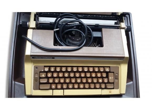Machine à écrire Smith Corona C42