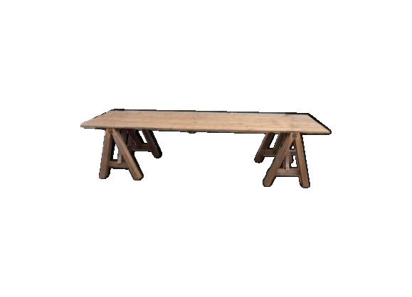 Table xxl sur tréteaux