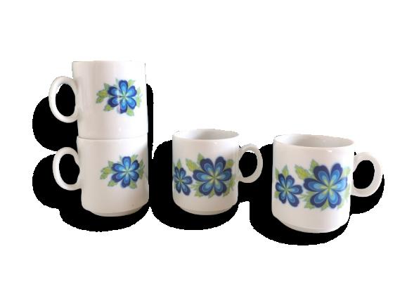 Tasses à café à fleurs bleues rétro