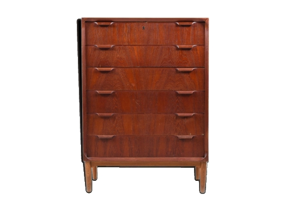 Early danish teak chest of drawer in teak and oak