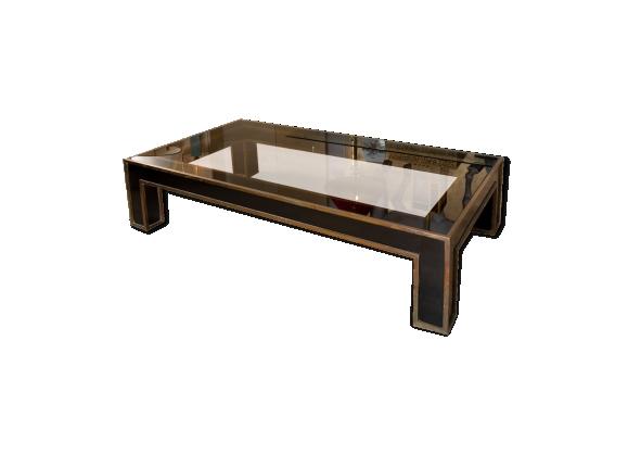 Table basse en laque noir et filets de laiton doré, vers 1970