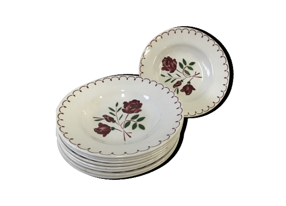 Set de 9 assiettes anciennes en porcelaine