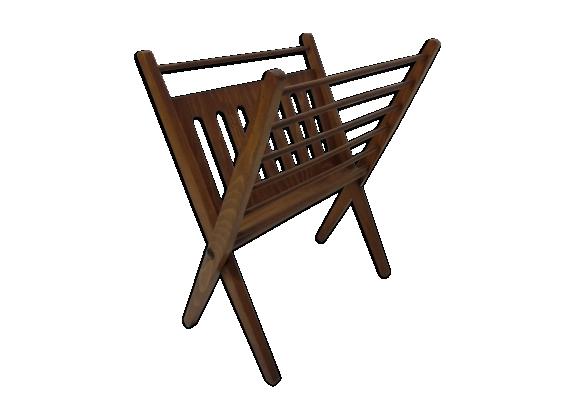 porte revues au design scandinave cces braackman pour pastoe bois mat riau marron bon. Black Bedroom Furniture Sets. Home Design Ideas