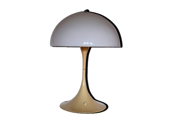 lampe de table 39 panthella 39 louis poulsen verner panton. Black Bedroom Furniture Sets. Home Design Ideas