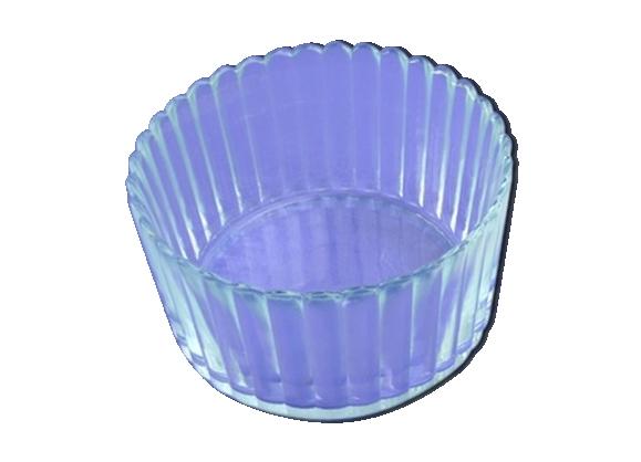 Plat en verre à facettes